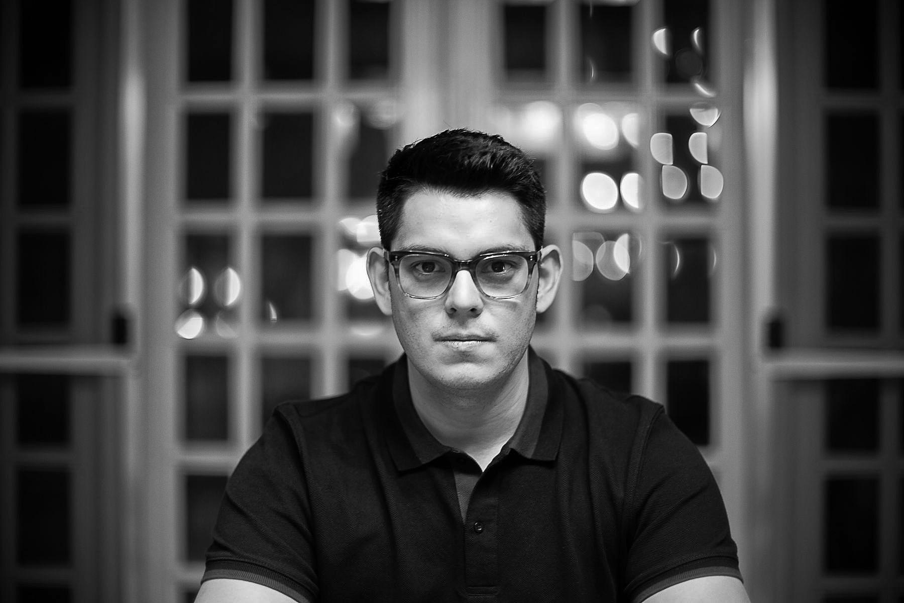 Richard Gutierrez, Straight Portrait